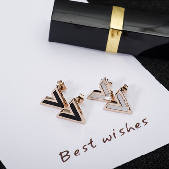 2017 Rose Gold Color V Shape Earring Accessories Anti-allergy Titanium Steel Woman Fashion Jewelry Birthday gift